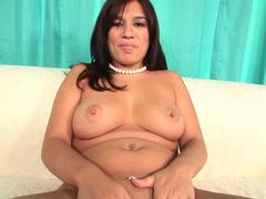 Chubby white chick stops by a homies place in search of an impressive bbc