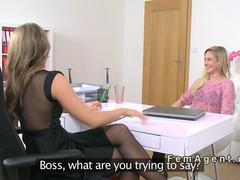 Female agent gives lesbian face sitting