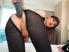 Tranny amateur dildoing her ass with huge toy