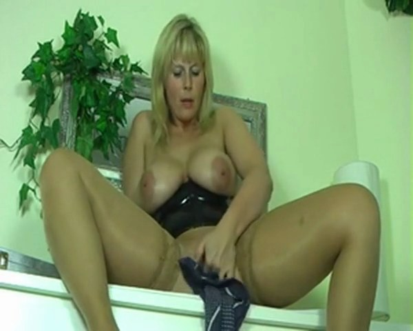 Brunette Milf Dirty Talk