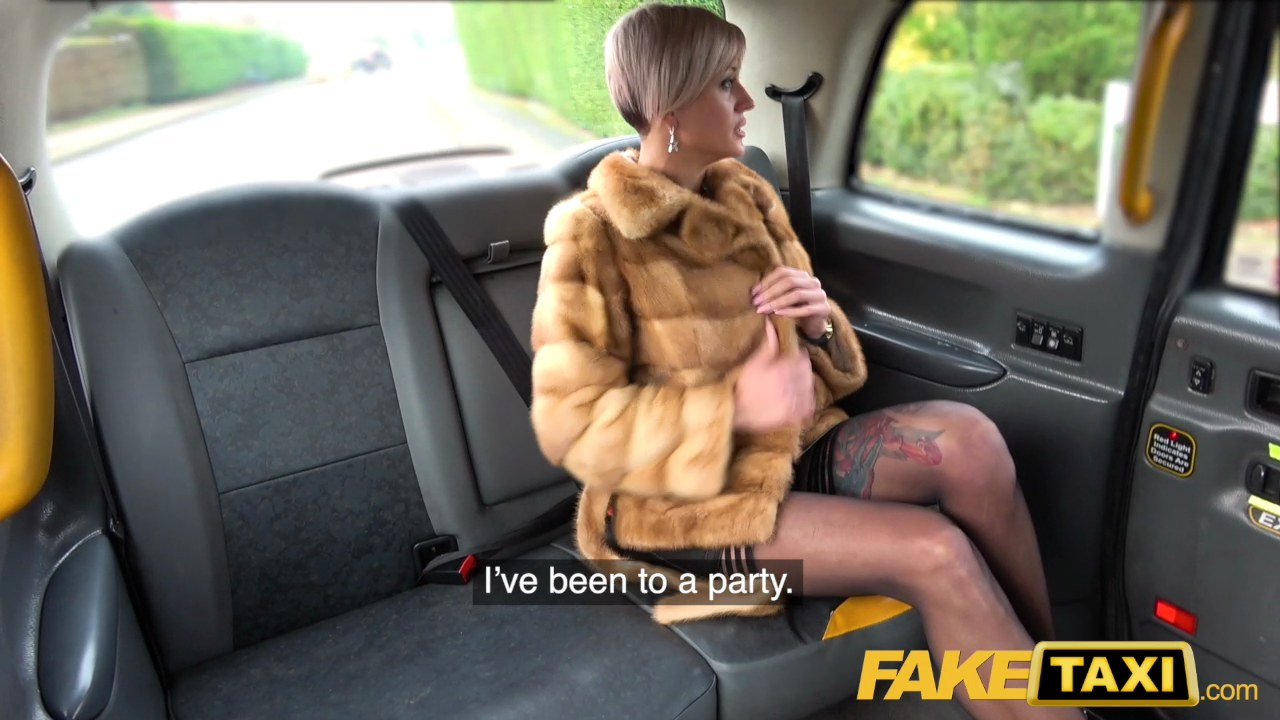 Blondine Squirt Taxi Fake Fake Taxi