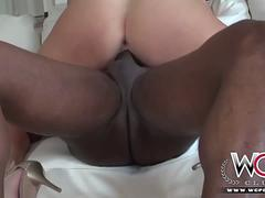 Horny Cheating Housewife wants IT