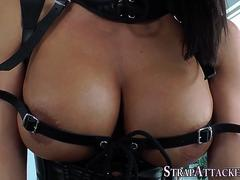 Mistress squirts on loser