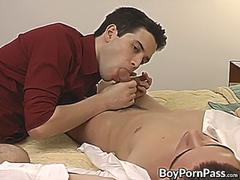 Foot fetish twink Winter Vance gets kinky toe licking in 69