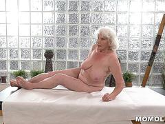 GILF signing up for sexy massage