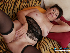 EuropeMaturE Sweet Mom Seductive Striptease